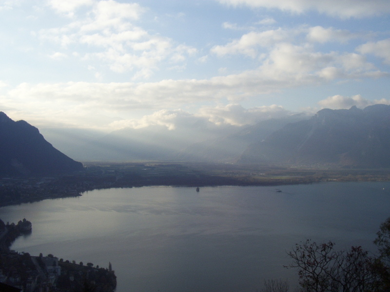 The view over Lake Geneva from Glion early in the morning