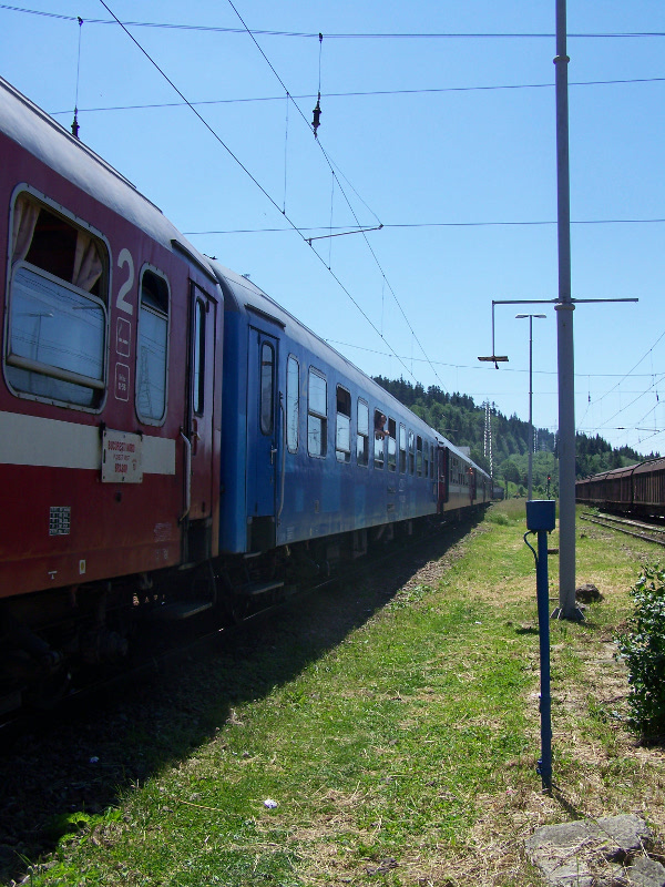 The train arrives at Predeal