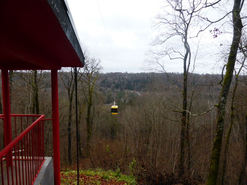 The Sigulda-Krimulda cable car coming in to Krimulda